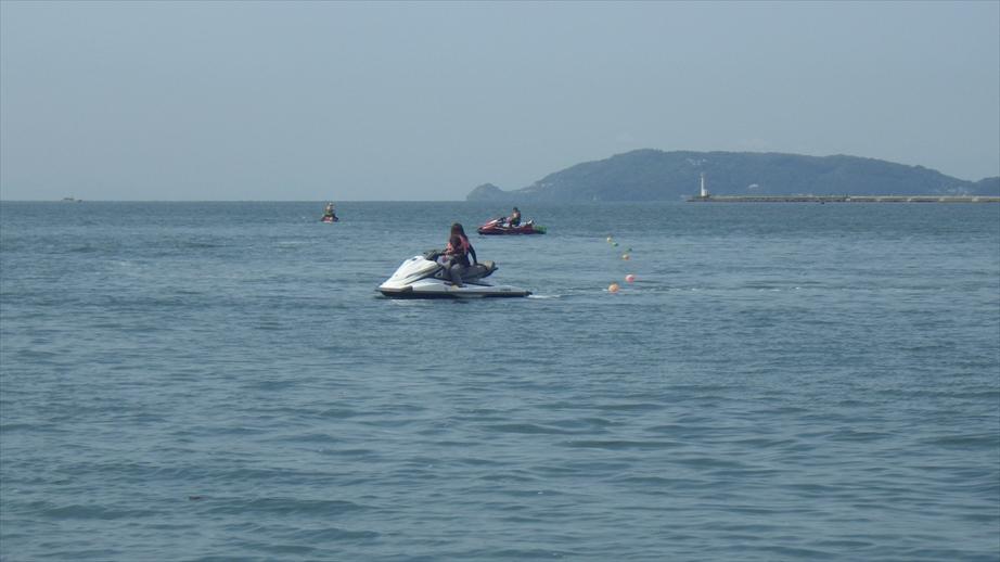 受講生が多い時にはジェット3艇体制で練習します