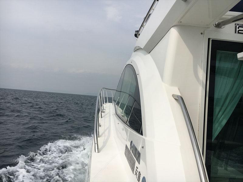 坊勢島に向かうEXULT