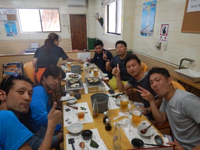 進水式の後は淡路島由良の新島水産にてお食事。 新島水産のみなさん、いつもありがとう!