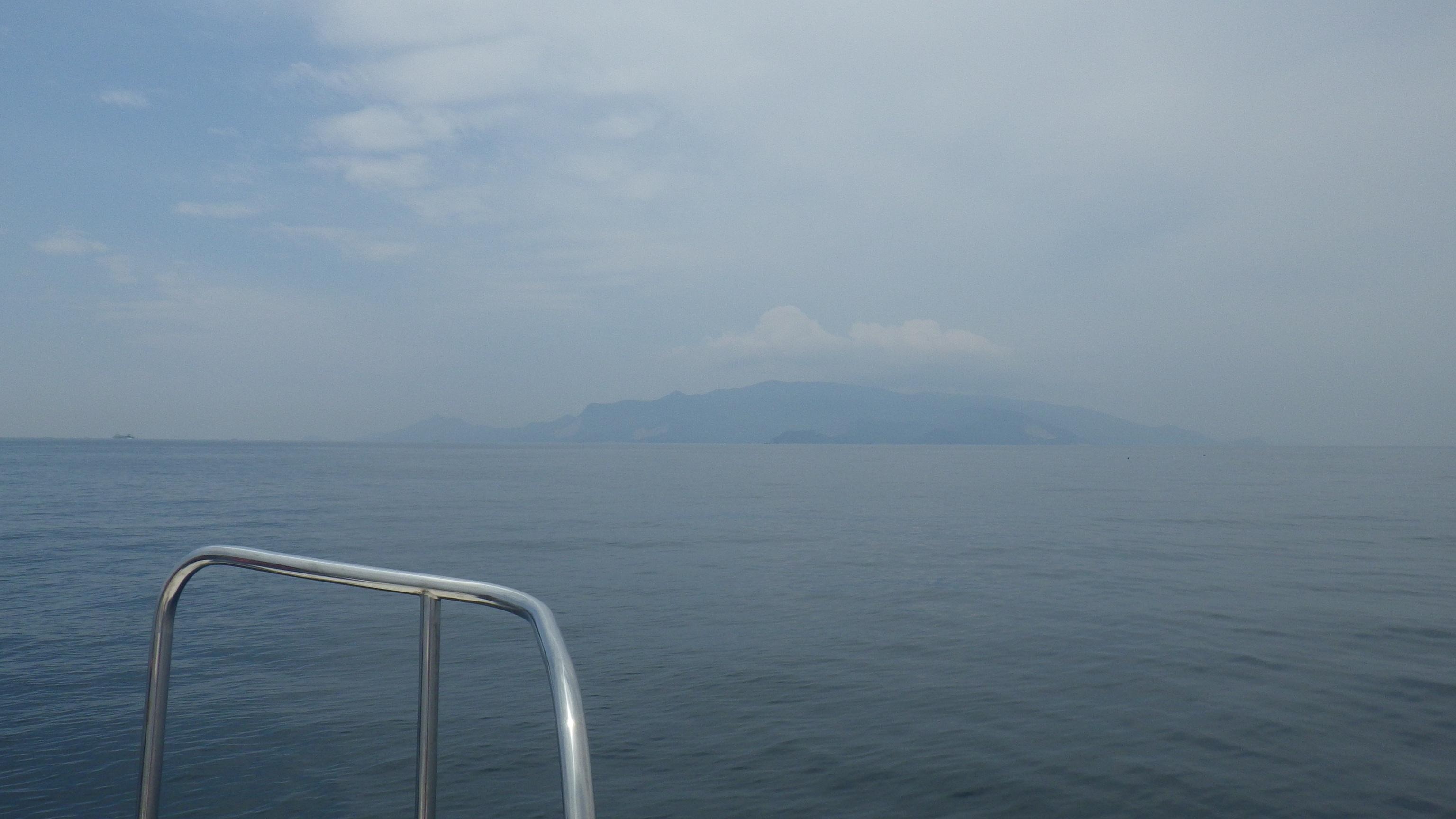 いよいよ小豆島の陰が見えてきましたー