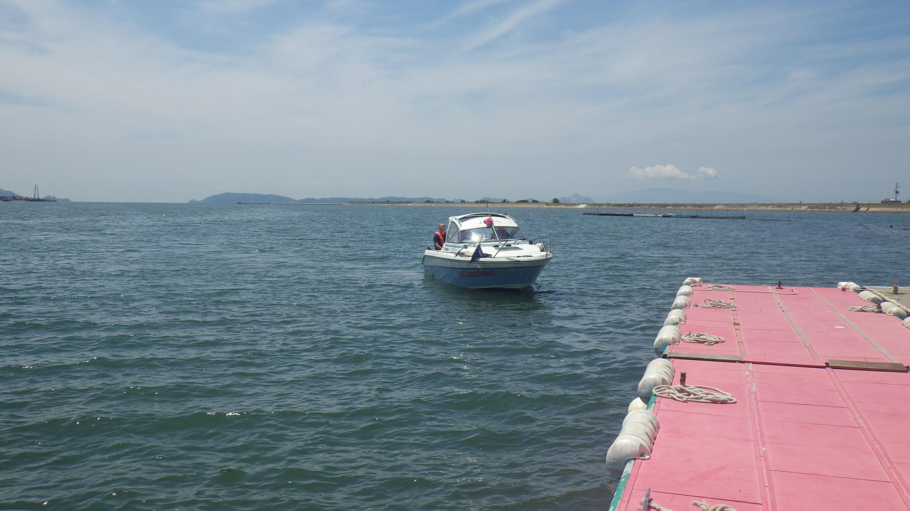 着岸は、車で言う「駐車」。船を桟橋にぶつけないよう、慎重に接近します