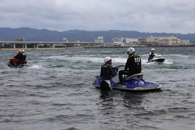 水上オートバイの運動性能を実体験して頂きました。