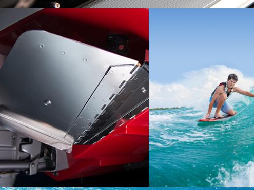 New 新型 SURF専用システム:ボートをおおきく右舷側に傾け、船尾右舷でウエイクサーフィンが可能なビックウエーブを発生させる機能