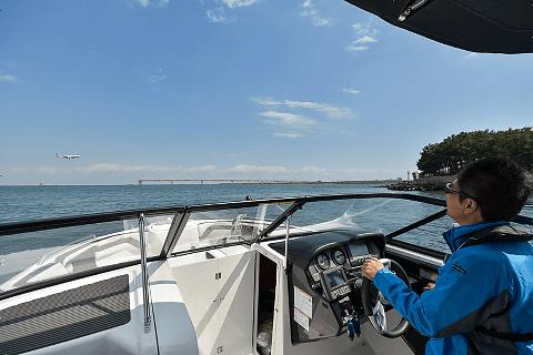 水辺の安全教室&ボート体験操船プログラム